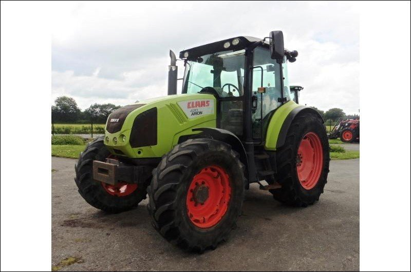 Tractor agricola Claas Arion 420 - 1